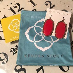 Kendra Scott Danielle earrings! They will go FAST!
